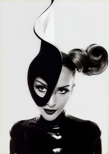 Thierry-Mugler,-circa-1990's-Model-Georgina-Grenville