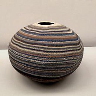 Matsui Kosei marbled pot