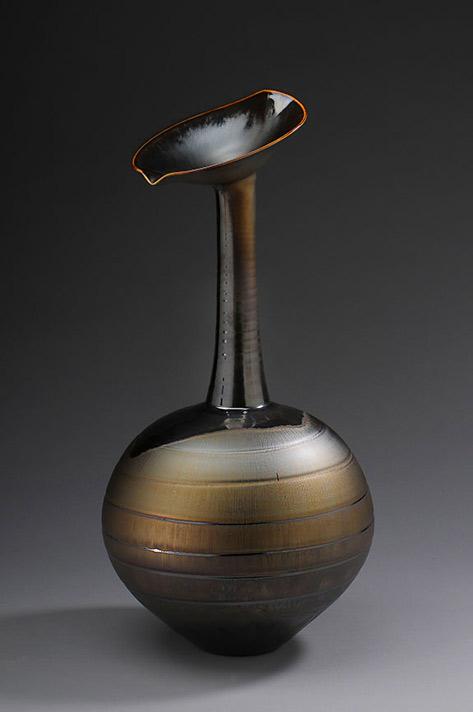 Lotus'-vase,-gold-glaze,-Porcelain,-22-x-11.5-x-11
