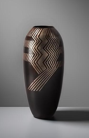 PHILLIPS-Jean-Dunand,-Large-vase-Galerie-Michel-Giraud