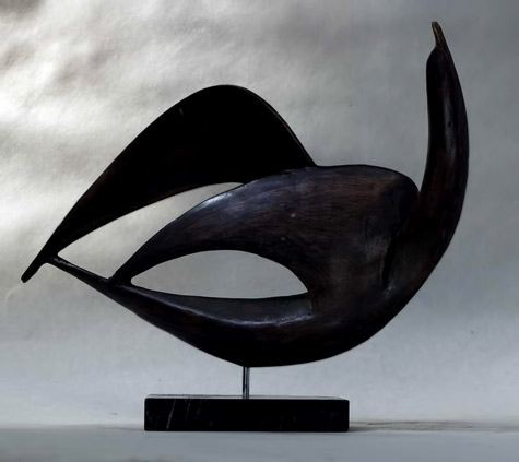 birds sculpture by Theodoros Papagiannis
