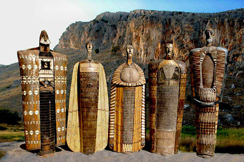 Theodoros-Papagiannis-totem sculptures in the mountains