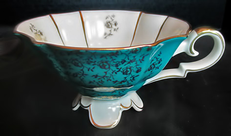 Alka-Kunst-Kronach-Turquoise-and-Gold-Scalloped-Footed-Tea-Cup