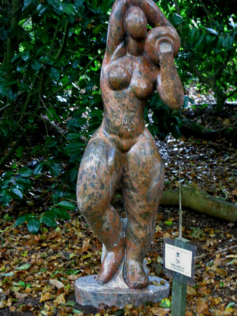 sculpture_artwork_Anon of the Orient_Nude with urn Standing nude lady carrying urn