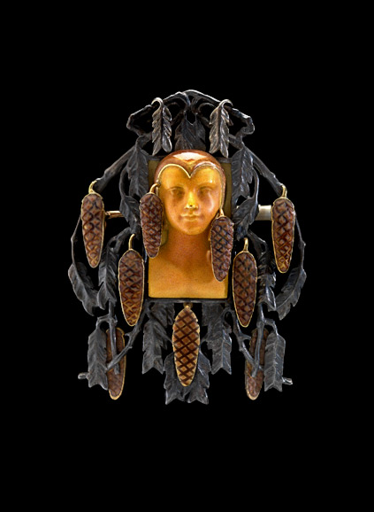 Brooch with-golden face-and pinecones.-Rene-Lalique-(1860--1945)-Circa-1900--1902 Art Nouveau style