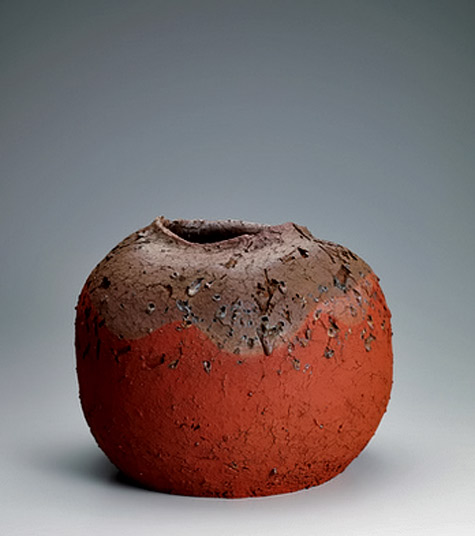 "Large-""Sadogashima""-jar.---Mumyoi-yaki,-the-fine-Japanese-pottery-made-from-reddish-clay-known-as-mumyoi"