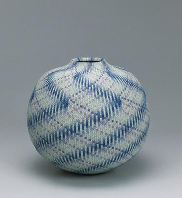 Marbled jar. GALLERY JAPAN MATSUI Koyo