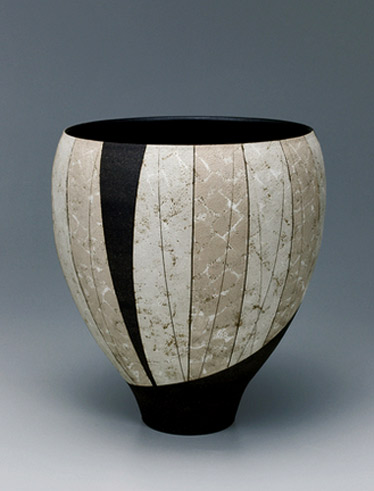 Wide-mouthed jar with design in colored slip painting Kikuchi Hiroshi
