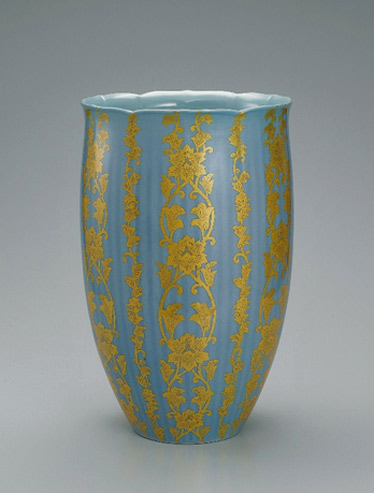 GALLERY-JAPAN---Japanese-traditional-art-crafts - Yoshirta Minor vase with pressed gold leaf