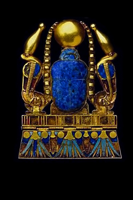 Ancient-Egyptian-jewel-The-cobras-of-protection-on-each-side-wearing-the-crown-of-Upper-Egypt;-the-lotus-&-suns-on-bottom-edge-represent-immortality