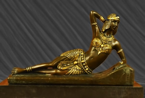 Egyptian-reclining-figurine-in-bronze