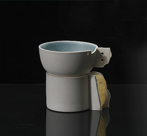 Gordon-Baldwin-by-Erskine--Hall---Coe---Developed-bowl-on-a-base-1970,s-Porcelain