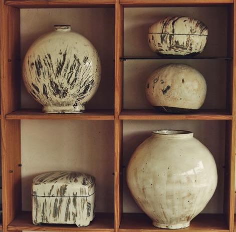 Lee-Kang-Hyo studio pots @Minetti Design