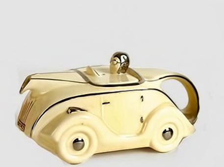 Art-Deco-tea-pot cream and gold porelain