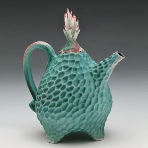 Roberta-Polfus deep textured teapot