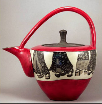Sally-Jaffee-tea-pot