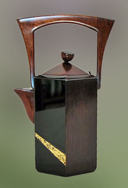 hanami_yoko-miyaji wooden teapot