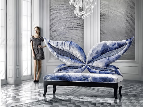 Sofa Madame Butterfly 1 - blue and whits sofa with butterfly wings