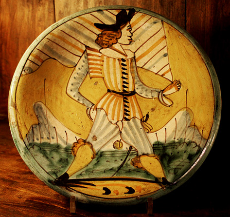 Majolica-montelupo,--boy-and-flag,-1620-40-.
