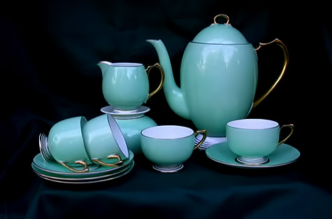 Art-deco-coffee-set in turquoise glaze with gold handles by Shelley Poteries