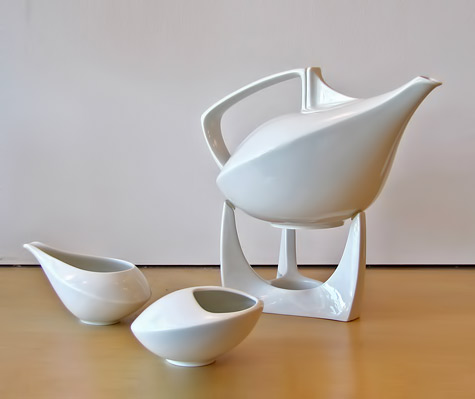 Friesland-White Porcelain-contemporary Coffee/Tea-Set---Gallery-L7