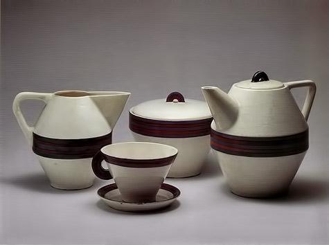 Helena-Johnová,-ceramic-coffee-service,-1928