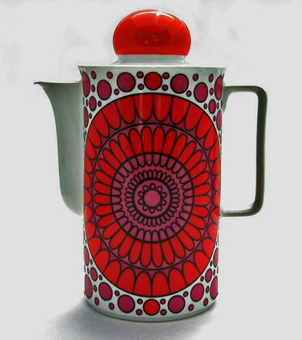 Schirnding-coffee-pot-1970s with pop art design in red and white