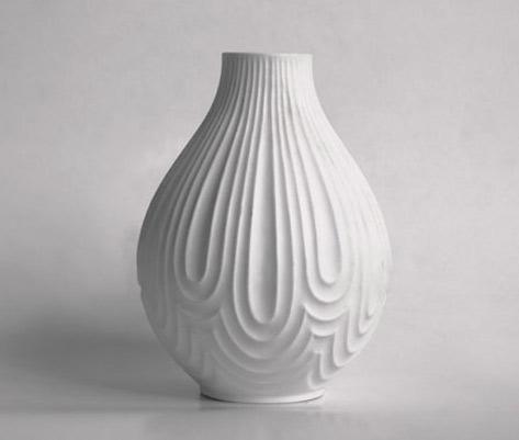 1001vintage- elegant vase by German porcelain manufacturer Heinrich&Co.