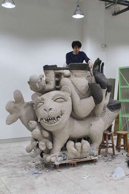 Sunkoo-Yuh---in his ceramic studio