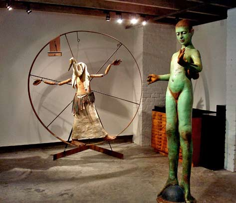 Thoth-&-Green-Girl--LisaOsborn-at-Barrister's;-Deris-at-Antenna