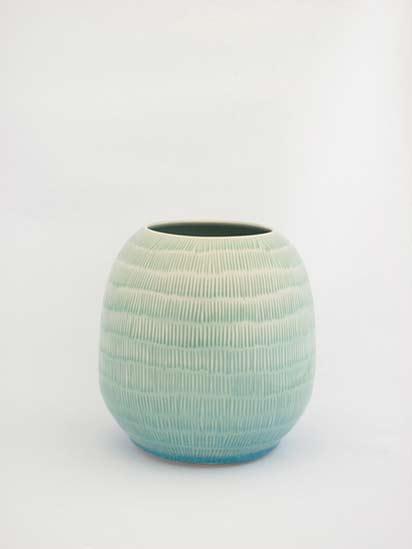 shio-kusaka-pottery vessel