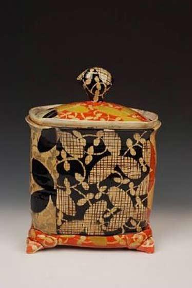 Adero-Willard-ceramic lidded box