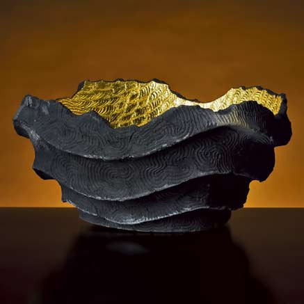 JINNAI-SAKATAjomon-Black-pottery-kiln-strange-wavy-statement-gilt-press-Daihachi