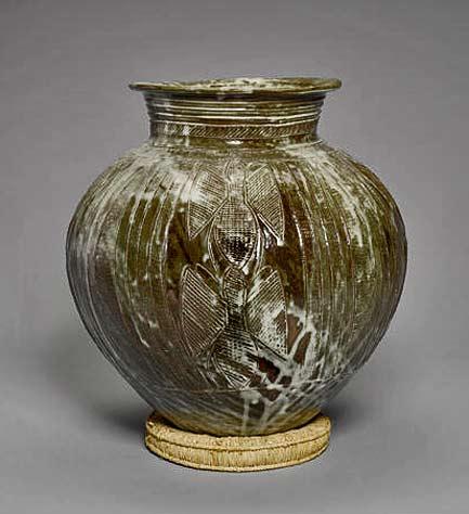 Ladi-Kwali-a-large-Water-Pot,-circa-1960-Height-40.6cm-(16in