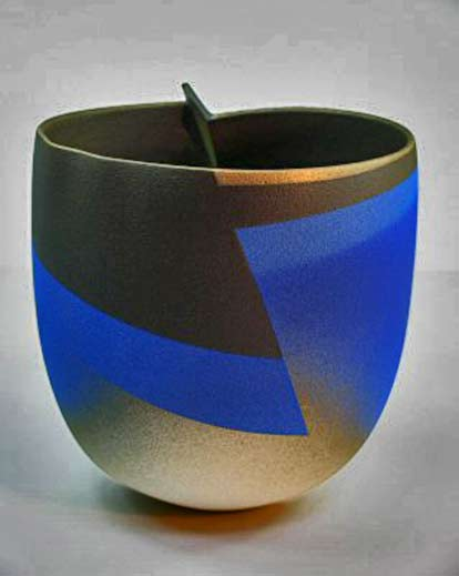 ceramic cup - Rippled-form-blue-and-gold-Jon Middlemiss