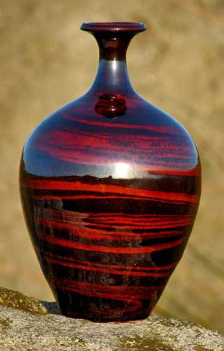Russell-Akerman-mahogany-agate-bottle-Mahogany-Agate-Bottle baluster in red and black