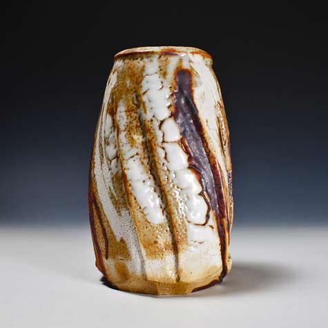 Yōhen-kin-Shino-Vase-by-Suzuki-Tomio