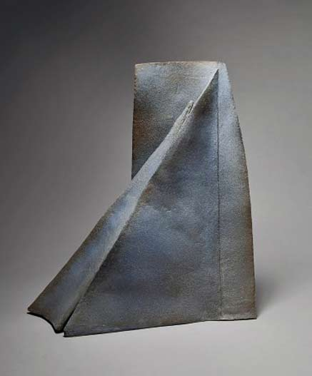 sculpture-triangle---MOHY-YVES---galerie-capazza