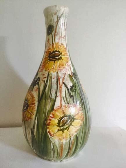 LARGE-SIGNED-DAISY-WARE-AUSTRALIAN-VASE--Large-beautiful-Irene-Lucas-Daisy-Ware-vase