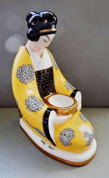 Robj-geisha-figurine