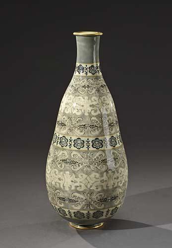 SÈVRES-and-ANDRÉE---MARCELLE---GENEVIÈVE-KIEFER-Laces-Vase