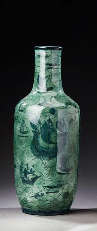 Vase-Aubert'-Black-nuanced-green-glazed-ceramic-vessels-decorated