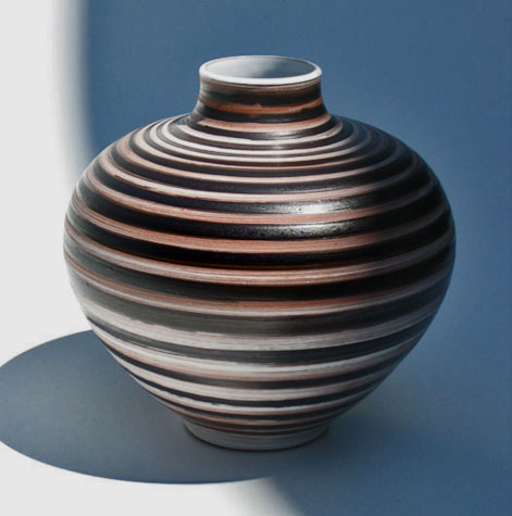 andreas-rauch-large jar with horizontally incised stripes