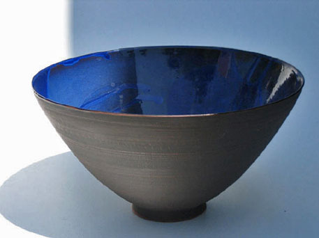 andreas-rauch-36_small bowl with glazed inerior and matt exterior