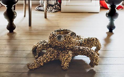 kuehn_keramik ceramic octopus sculpture