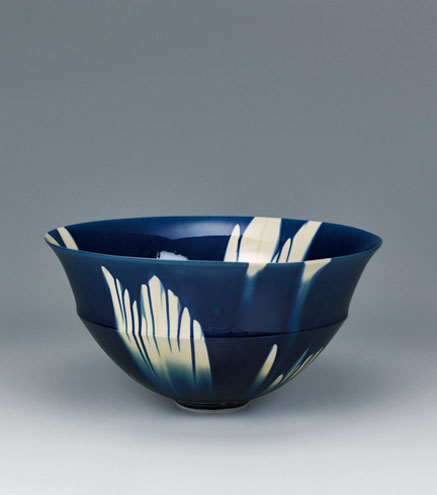 Ceramic bowl-with-indigo-three-color-glaze-decoration.-'1307-'---Kiyokazu-Kato