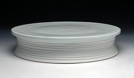 Bryan-Hopkins--porcelain Cake-Stand