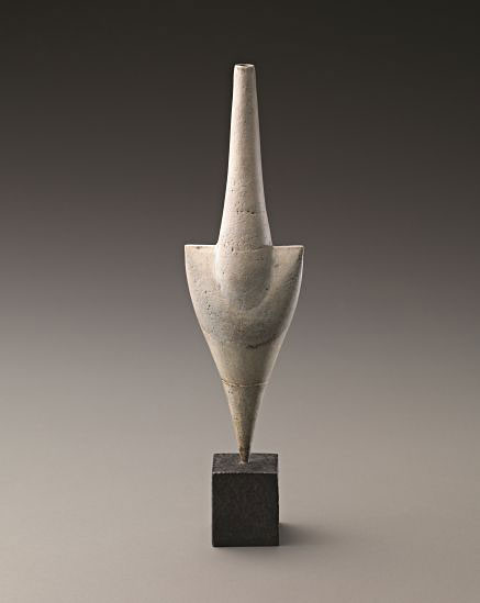 PHILLIPS--White-'Cycladic'-arrow-form,-1975,-Hans-Coper