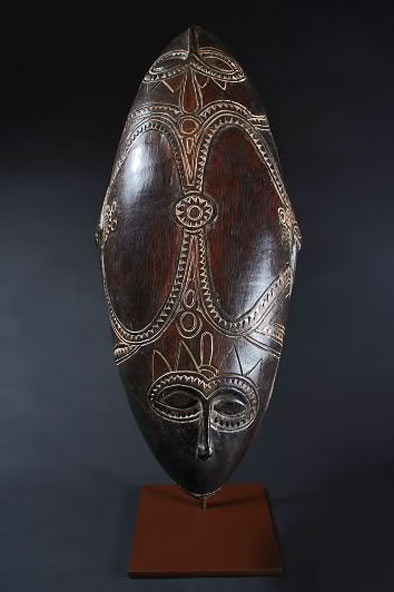 Tami-Islands,--Huon-Gulf,-Papua-New-Guinea-Fe-Moran-Oakes-Tribal-feast-Bowl-length-22-inches