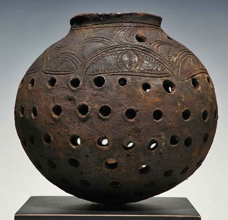 clay-pot-comes-from-the-Keram-River-area-of-Papua-New-Guinea